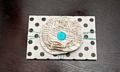ozdobny kvet z papiera