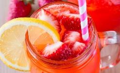 jahodová limonáda