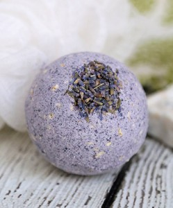 lavender-oatmeal-bath-bombs